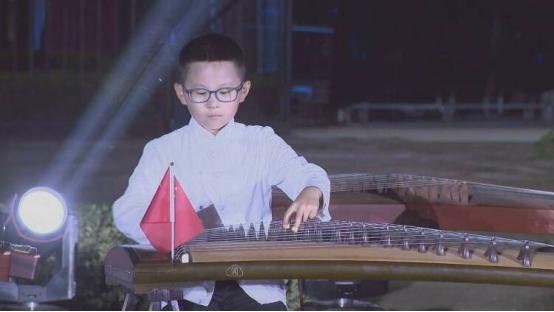 山东省成武县:大型古筝展演 助力文明城市创建