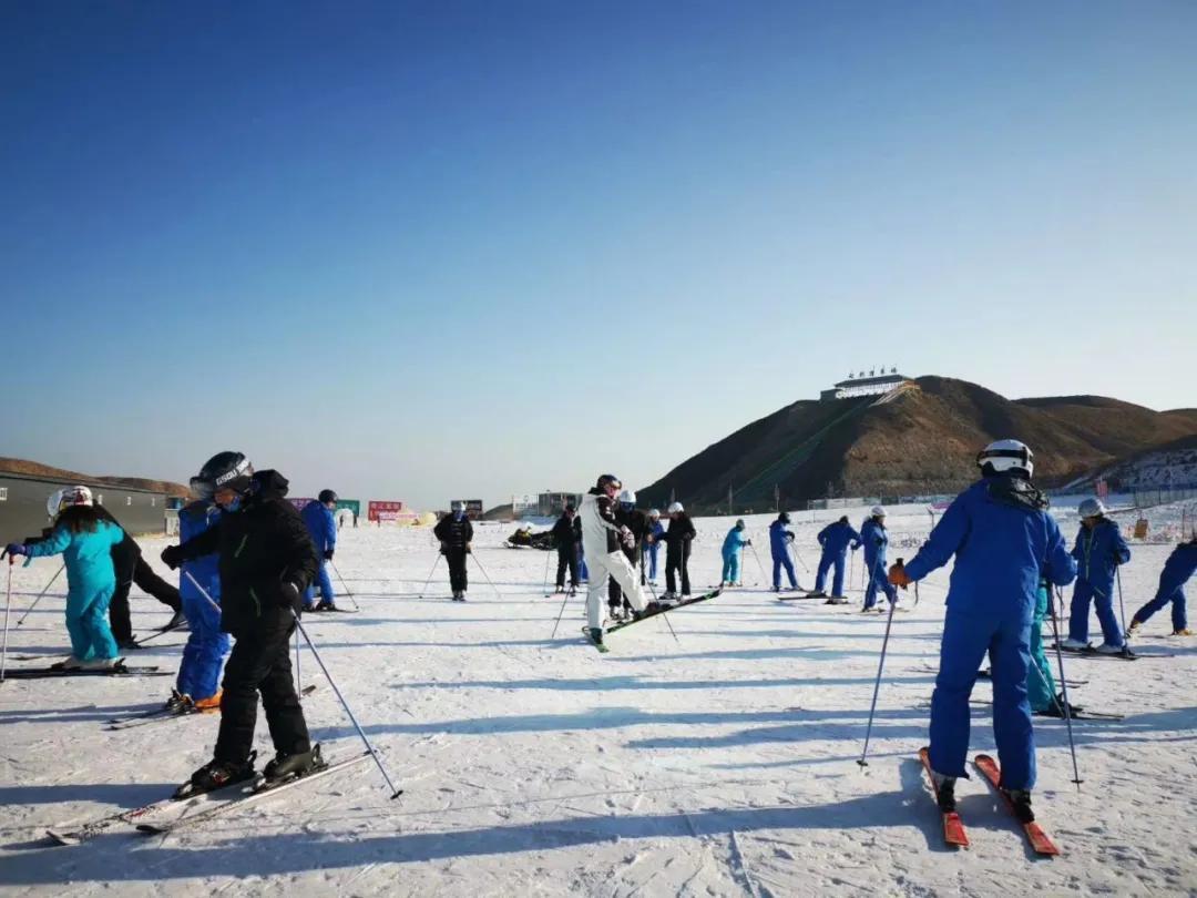"""塔儿湾滑雪场即将开业""""送礼"""",这个冬季温暖了!"""