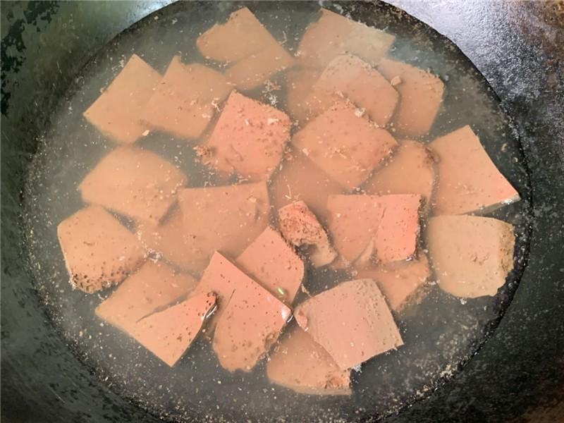 豆腐和这一起煮,多给孕妇吃,能预防缺铁性贫血 孕妇菜谱做法 第1张