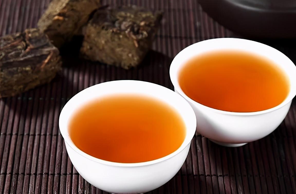 """为什么秋季喝茶可以缓解""""秋燥""""?秋季适合喝的茶,你喝了吗?"""