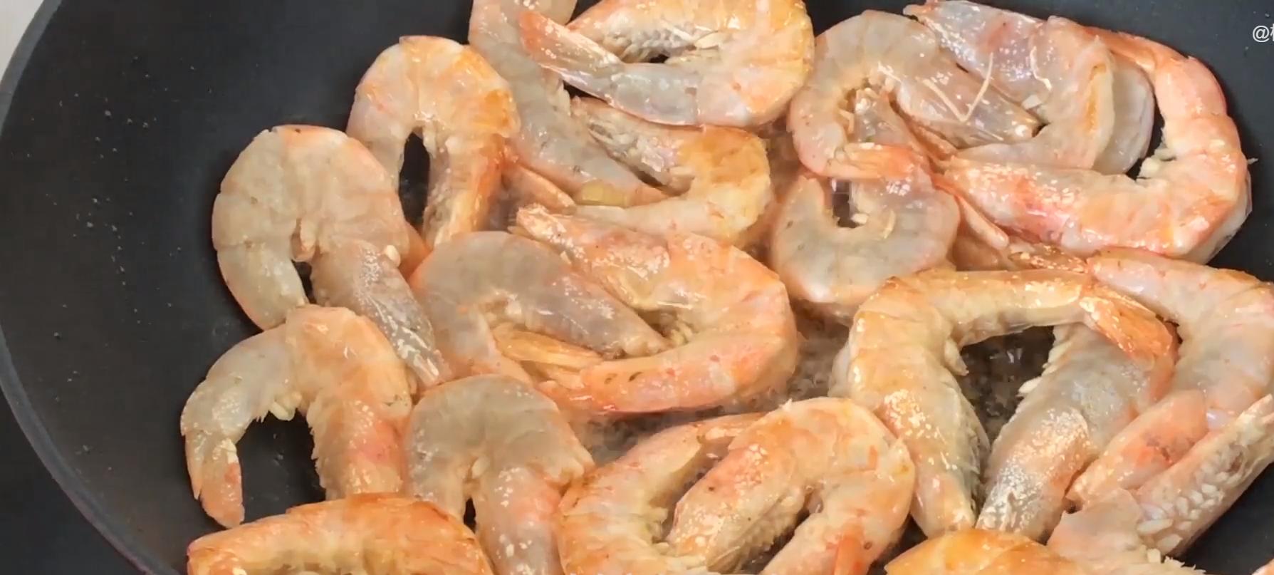 做大虾时,不要直接用水煮,教你正确做法,虾肉鲜嫩入味超好吃 美食做法 第9张