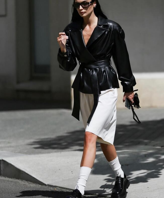超酷的俄罗斯博主Motina 轻轻松松穿出酷飒感时尚
