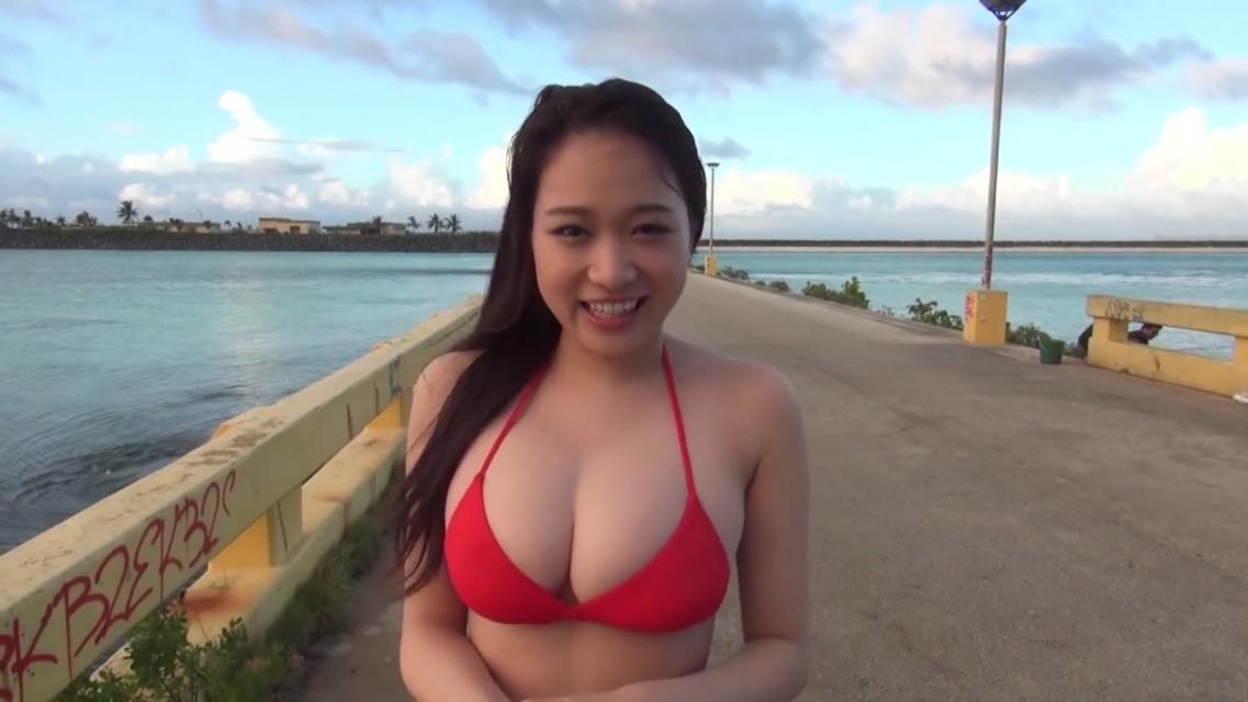 漂亮的日本美女比基尼