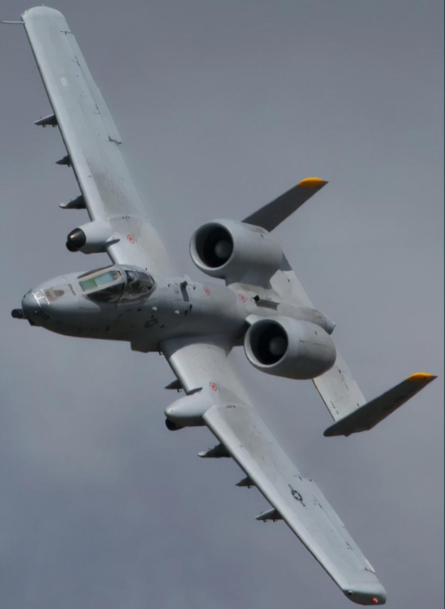 """美国空军部长扬言""""吓唬中国"""",中美军机竞赛,谁能笑到最后?"""