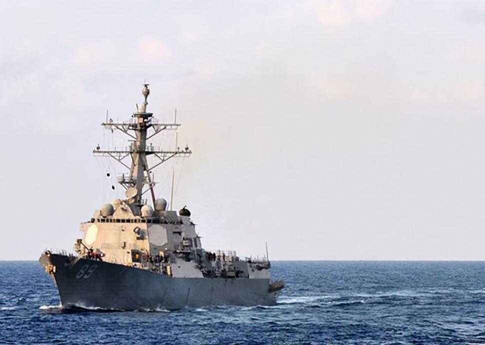 """美舰刚现身台海,解放军航母编队就火速出动,""""台独""""吓得不轻"""