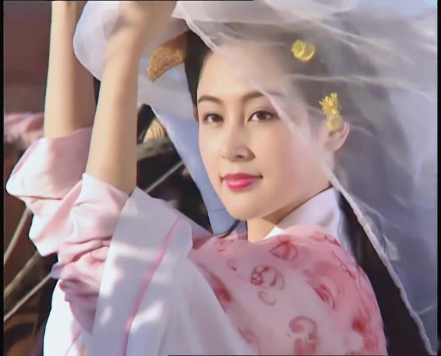 陈红在《三国演义》中饰演貂蝉,倾国倾城的美貌,网友:太惊艳