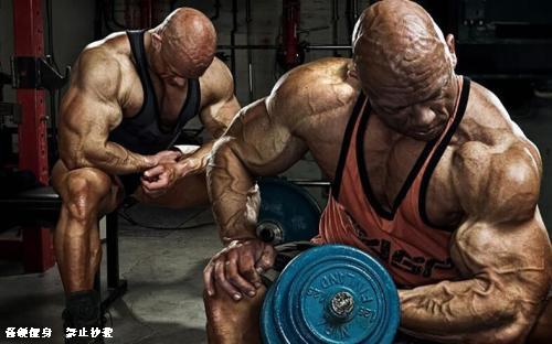 一天训练5小时,其实完全没必要,健身练到这种程度就够了