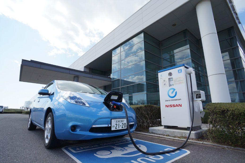 """车企蹲点抢电池:""""电池荒""""危机比缺芯更严重?"""