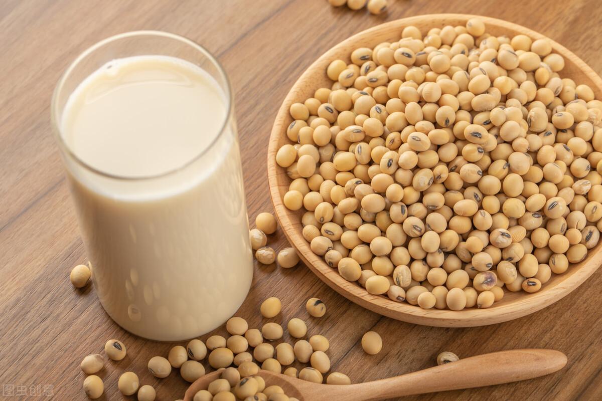做豆浆,黄豆不能直接打成浆,多做1步,豆浆味道更香浓,无残渣