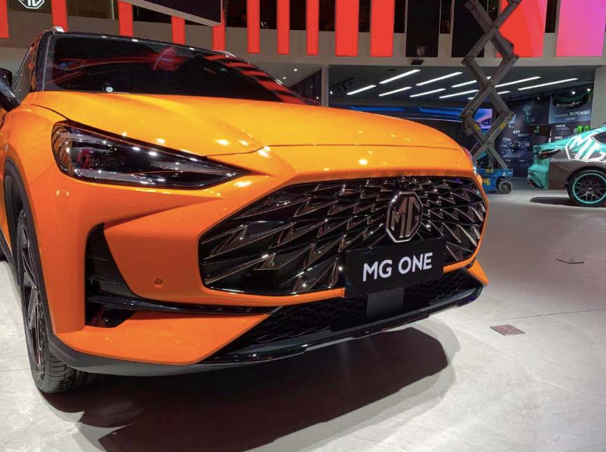 全新物种MG ONE领衔,MG名爵多款潮品新车亮相成都车展