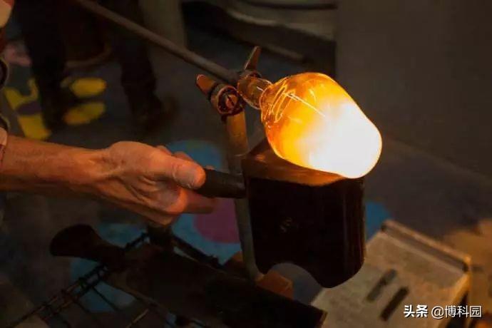 罗马时代的玻璃吹制原理,制造微透镜,今天发挥到淋漓尽致