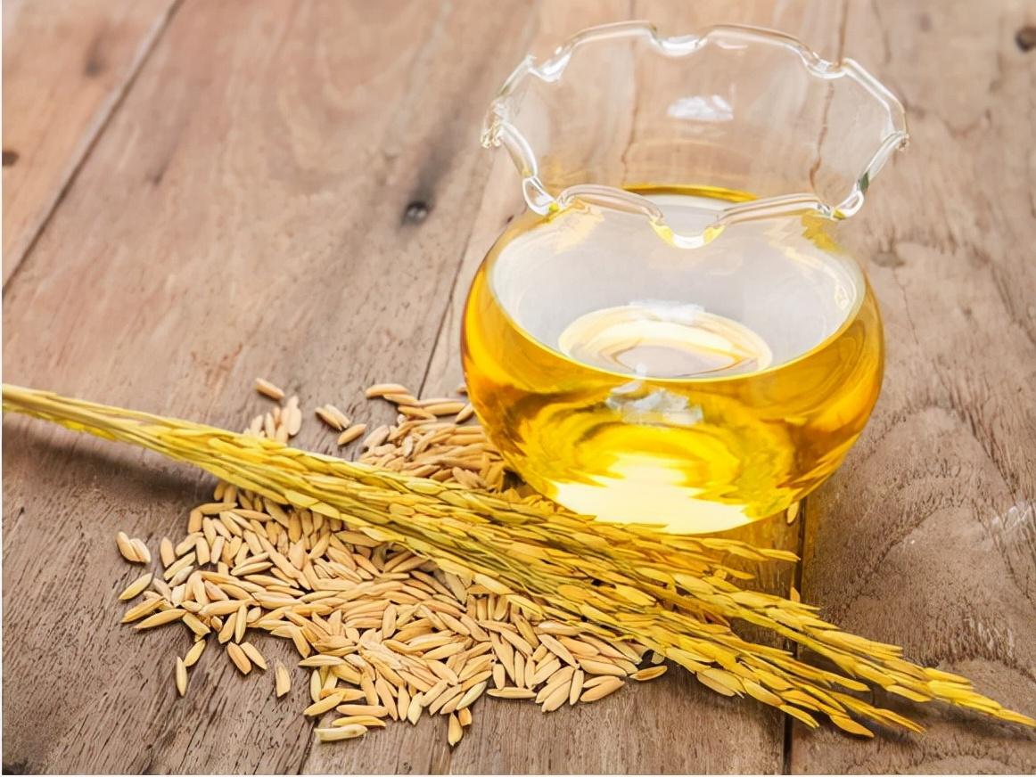 为什么现在流行吃稻米油?对健康有益还是有害?所有人都能吃吗