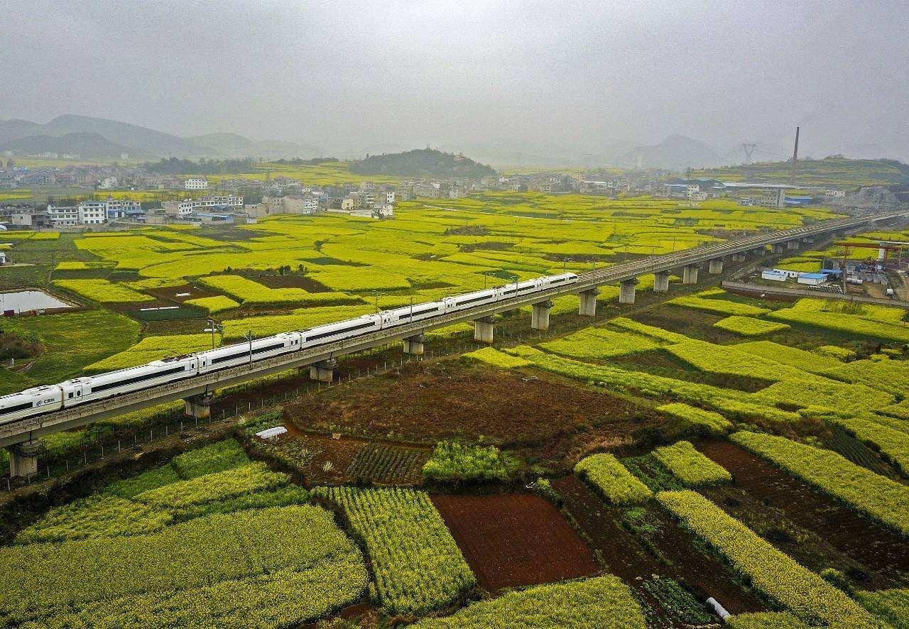 中國最美高鐵線:全程僅90分鐘卻經過57個景區,風景堪稱一絕