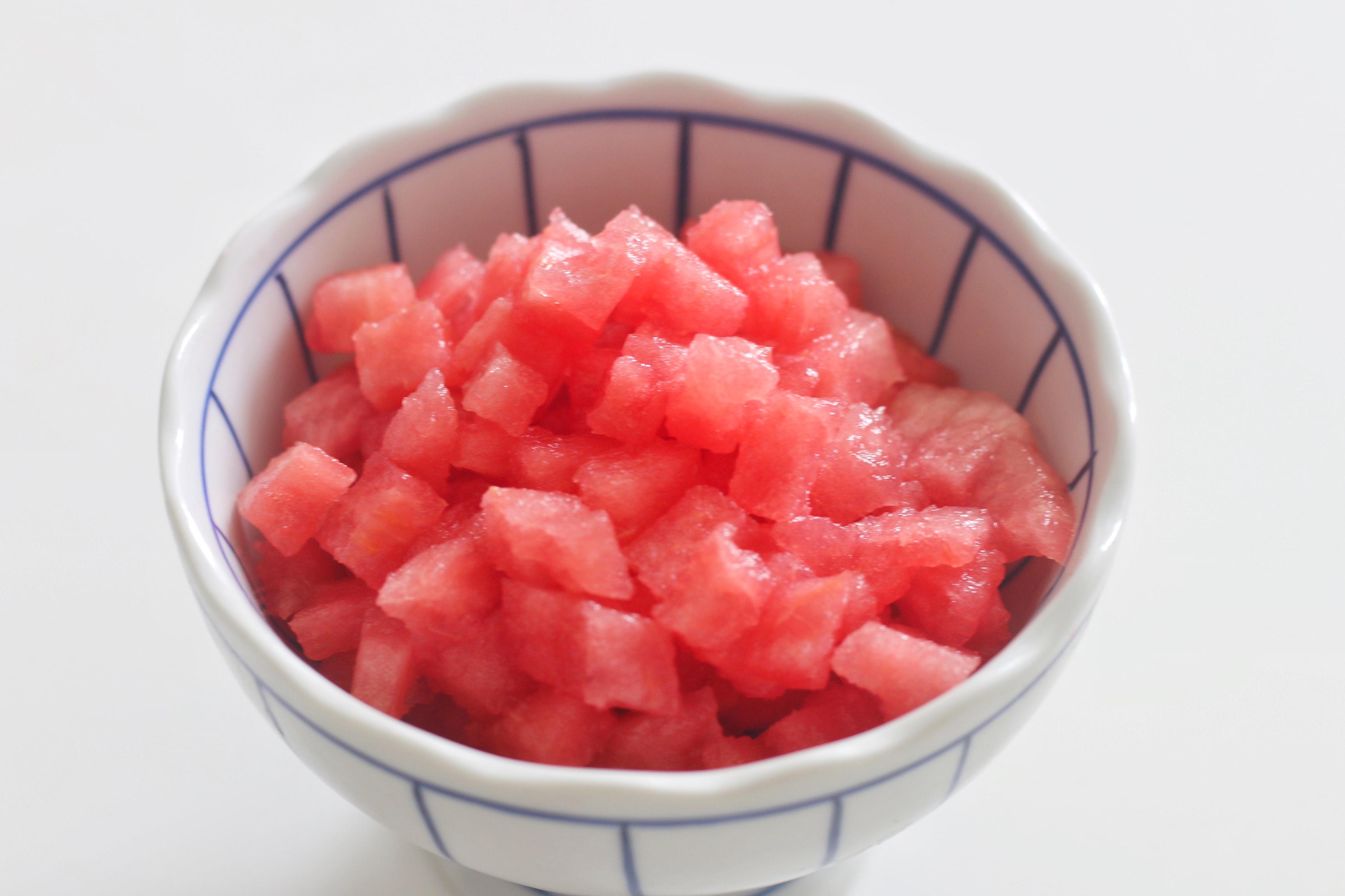 把西瓜做成果冻,冰凉Q弹超解暑,几步就做好,真简单