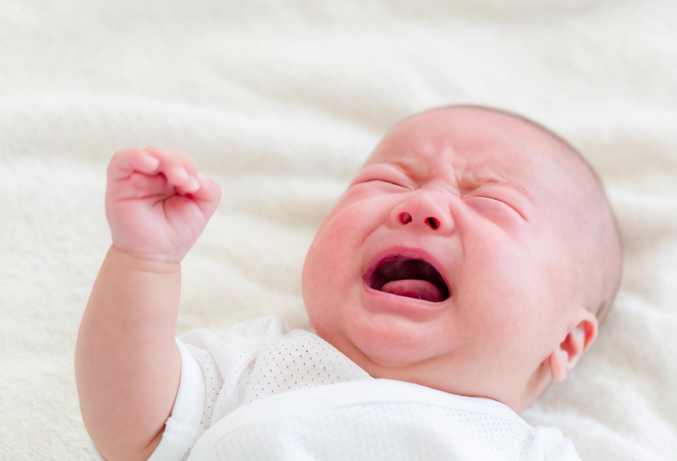 寶寶有這3種舉動奇怪,可能是在用動作告訴你,他們身體不舒服了