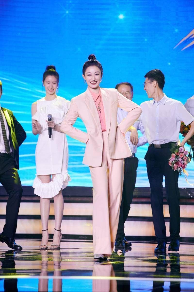 时代报告剧《在一起》今日开播 孙佳雨走心演绎护士蔡雨萱