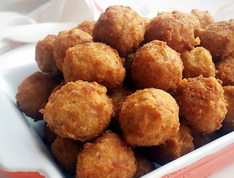 干炸肉丸用面粉还是淀粉?学会饭店的做法丸子外酥里嫩不发硬