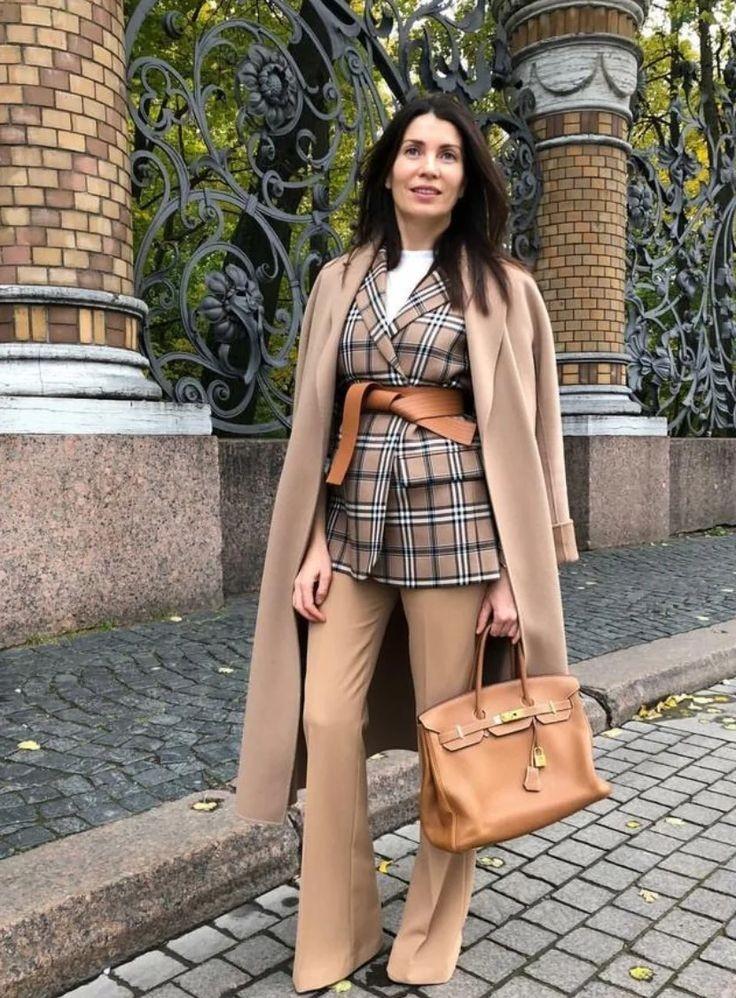 """""""大衣+高腰裤""""可太有气质了,不挑颜值和身材,穿上就是高级感"""