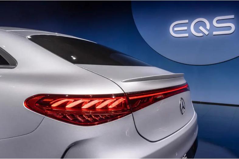上海车展 | 豪华之外,奔驰EQS凭借什么树立新能源车新标杆