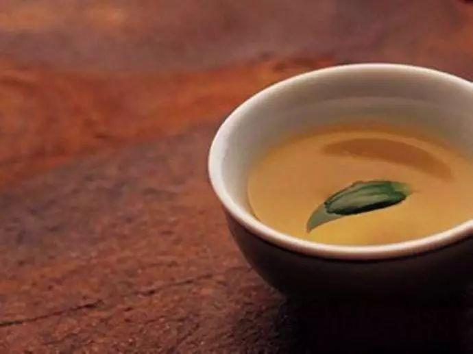 为什么喝茶会口干舌燥?看完这篇文章你就懂了