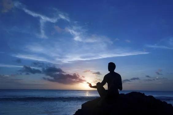 无论遇见什么最好的办法就是保持平静