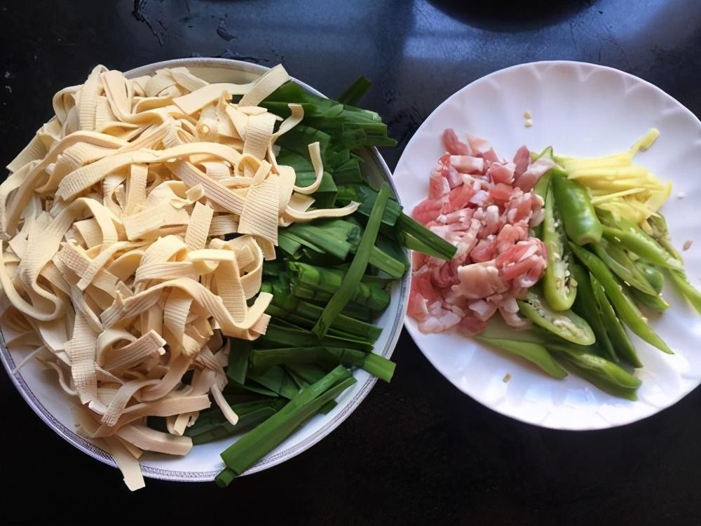 吃大鱼大肉都不如吃它,价格便宜钙含量极高,随便一做都很好吃 美食做法 第2张