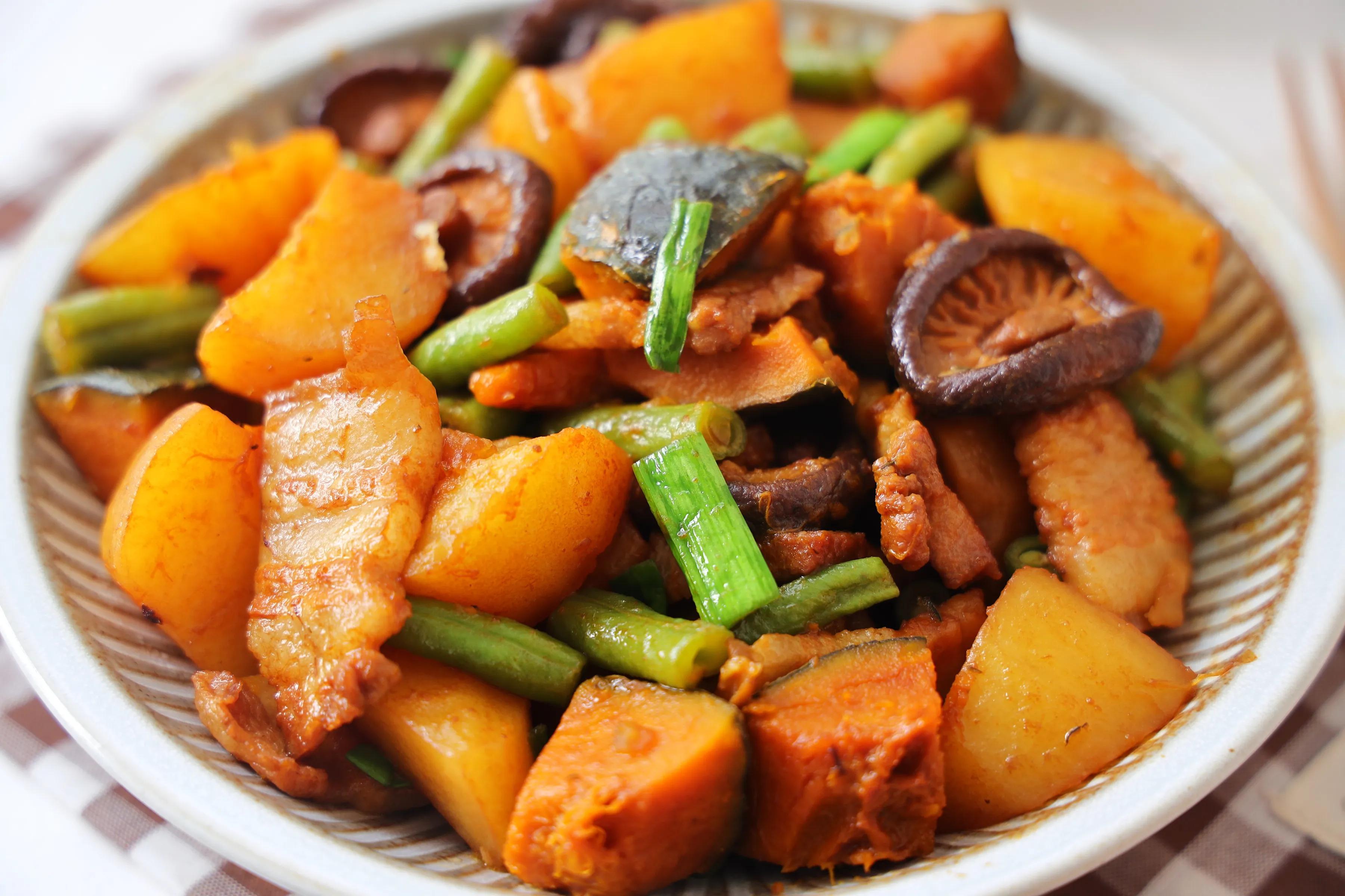 天太热不想炒菜,试试这样的一锅炖,不需要米饭,一人一碗超过瘾