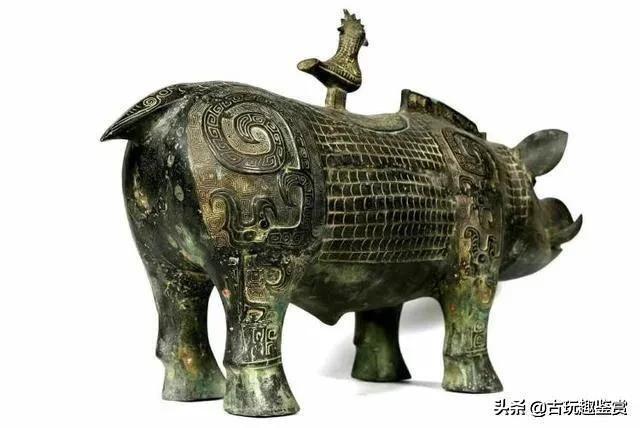湖南农民盖房挖出一头青铜猪,专家:房子不能盖,继续深挖!