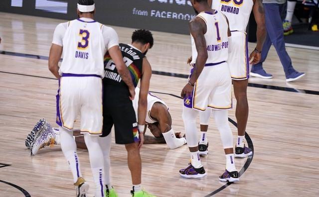 詹姆斯被肘擊後為Murray發聲:我不認為他是故意的,也不想他被罰出場!(影)-黑特籃球-NBA新聞影音圖片分享社區