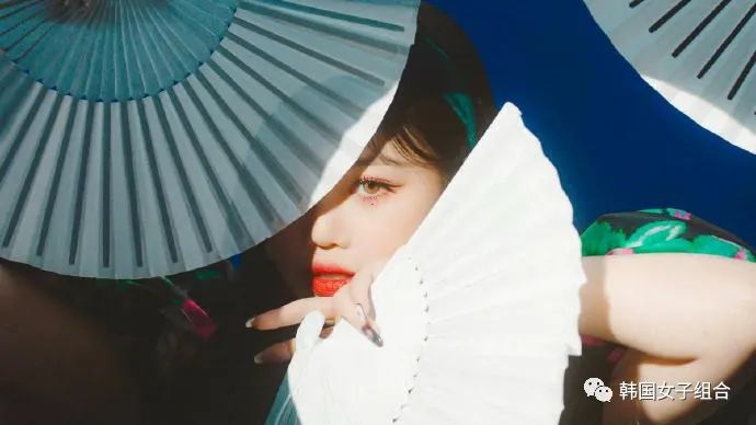新歌非常有质感的,这个女团MV预告,每一帧都像电影一样