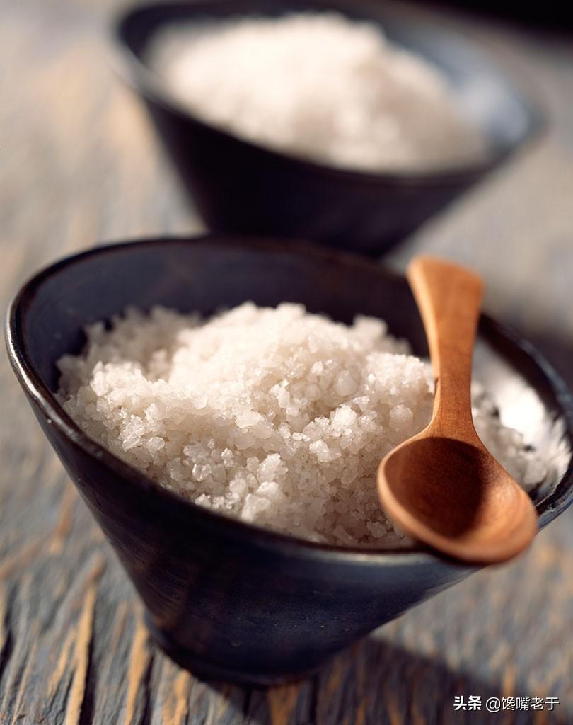 食用盐,该吃海盐还是精盐?二者区别很大,搞懂了再吃有助于健康