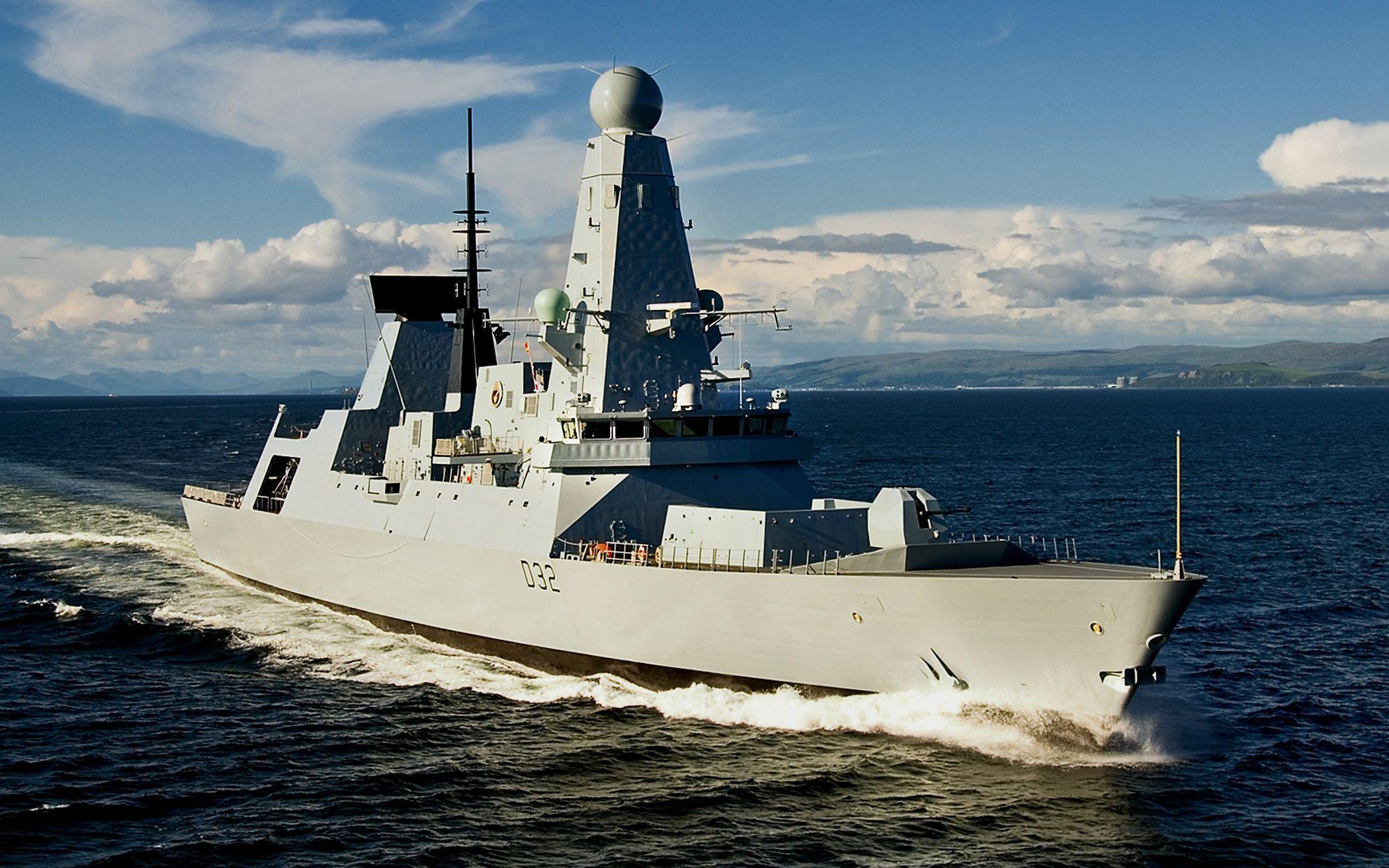 英国出动军舰支援乌克兰,却遭俄军包围,约翰逊吃够亏了没?