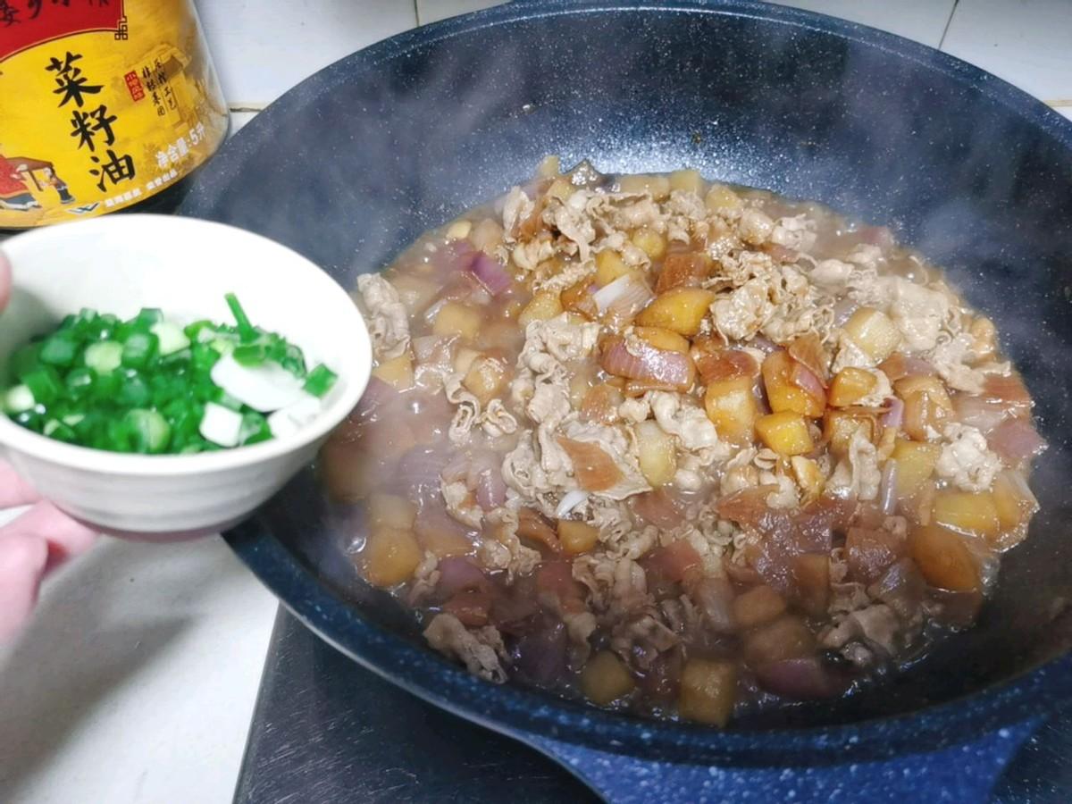 好吃上瘾的土豆肥牛卷,简单快手,鲜香下饭,家人都爱吃