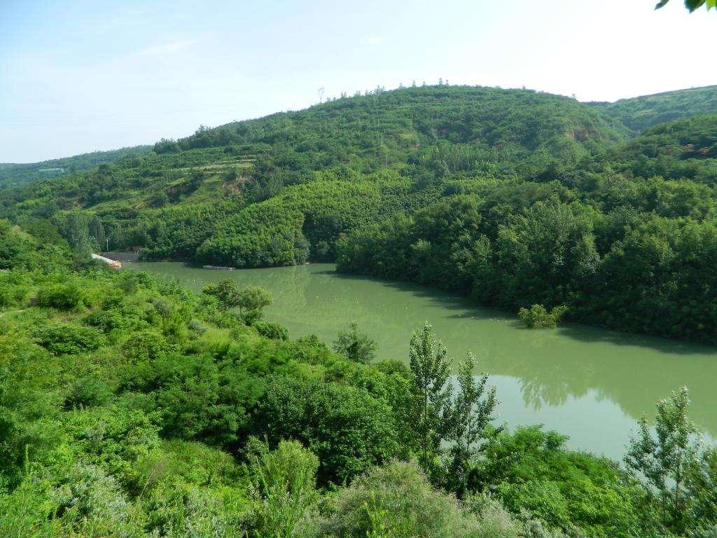 陕西西安白鹿原-鲸鱼沟-的传说-上古时期鲸鱼游走空缺的河道