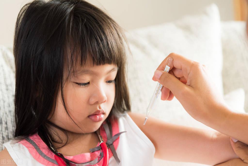 孩子中暑和發燒你區分得清嗎?別迷糊了,趕快學學這招