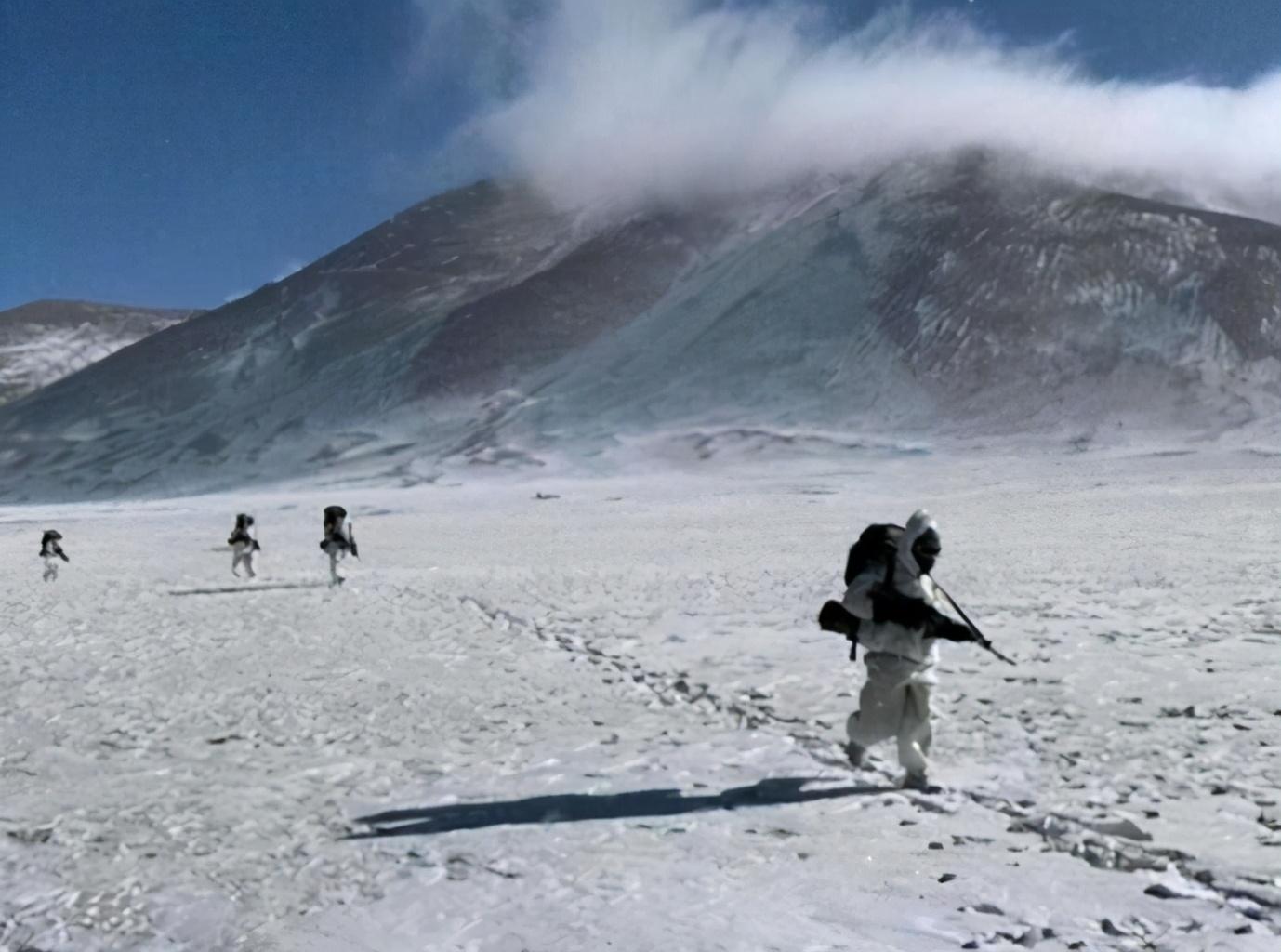 解放军动用微波武器?英媒称中国一枪不开夺回班公湖山头,印回应