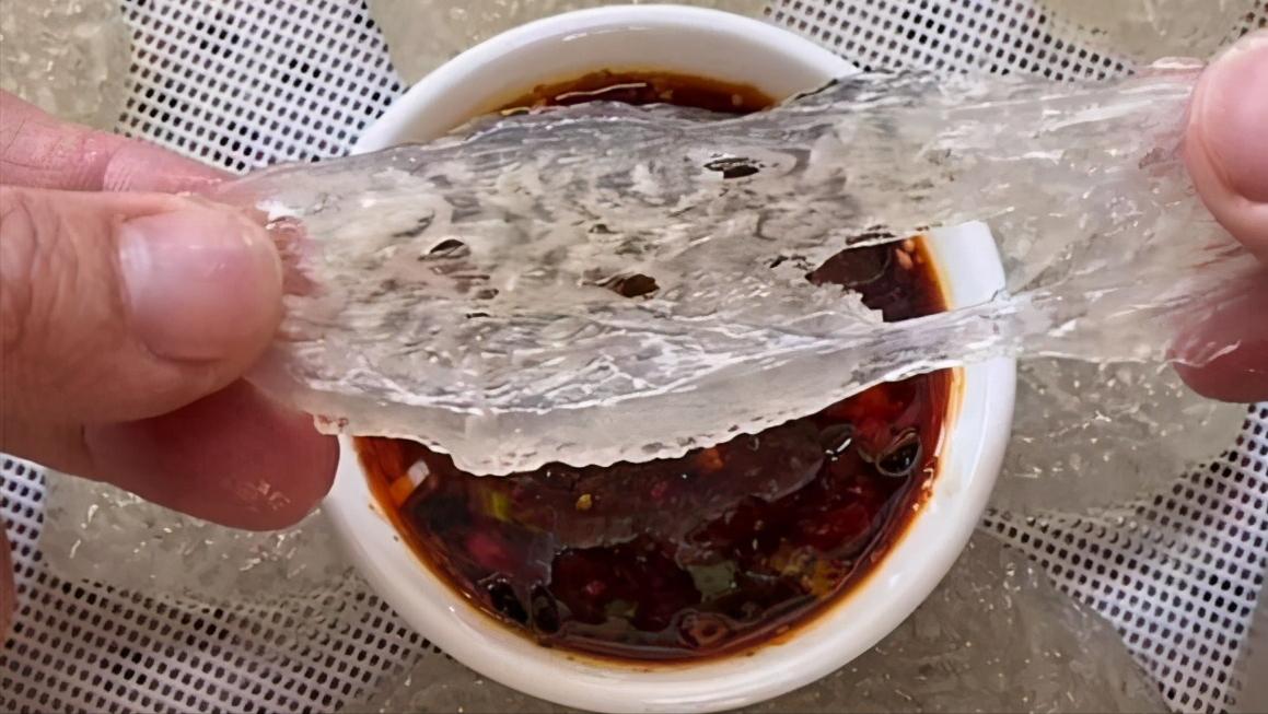 市场买来它,别总腌着吃,一拌再一蒸,6分钟出锅,蘸料吃真鲜香 美食做法 第3张
