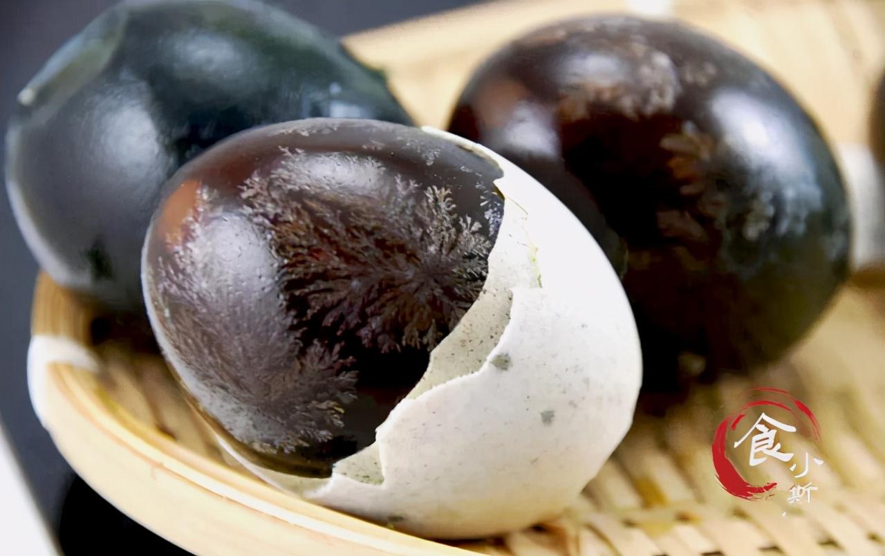 买松花蛋,挑表面有黑点的还是没有黑点的?差别较大,别买错了 饮食健康 第10张
