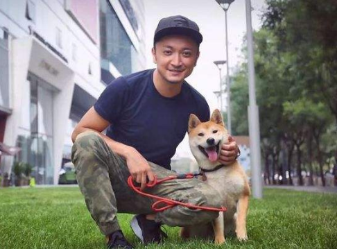 第一次养狗,为什么要选公的?原来是因为这几点