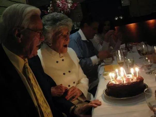 相守73年,选择同时安乐死,他们诠释了爱情最美好的模样