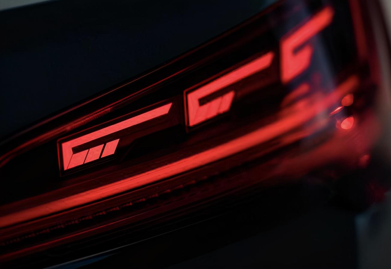 内饰依旧是槽点 中期改款奥迪Q5L正式上市 39.68万元起售