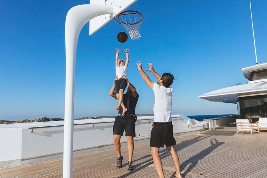 租一艘超级游艇可以如何有趣的玩耍?