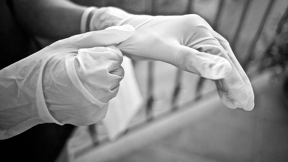 一次性手套巨头冲刺港股上市,后疫情时代华源医疗还能火下去吗?