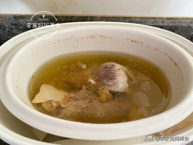 秋天干燥适合多喝汤,热腾腾的3道汤,不温不燥
