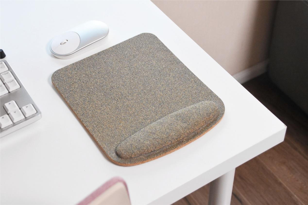 米家有品发布软木板游戏鼠标垫,纯天然材料,回绝鼠标手