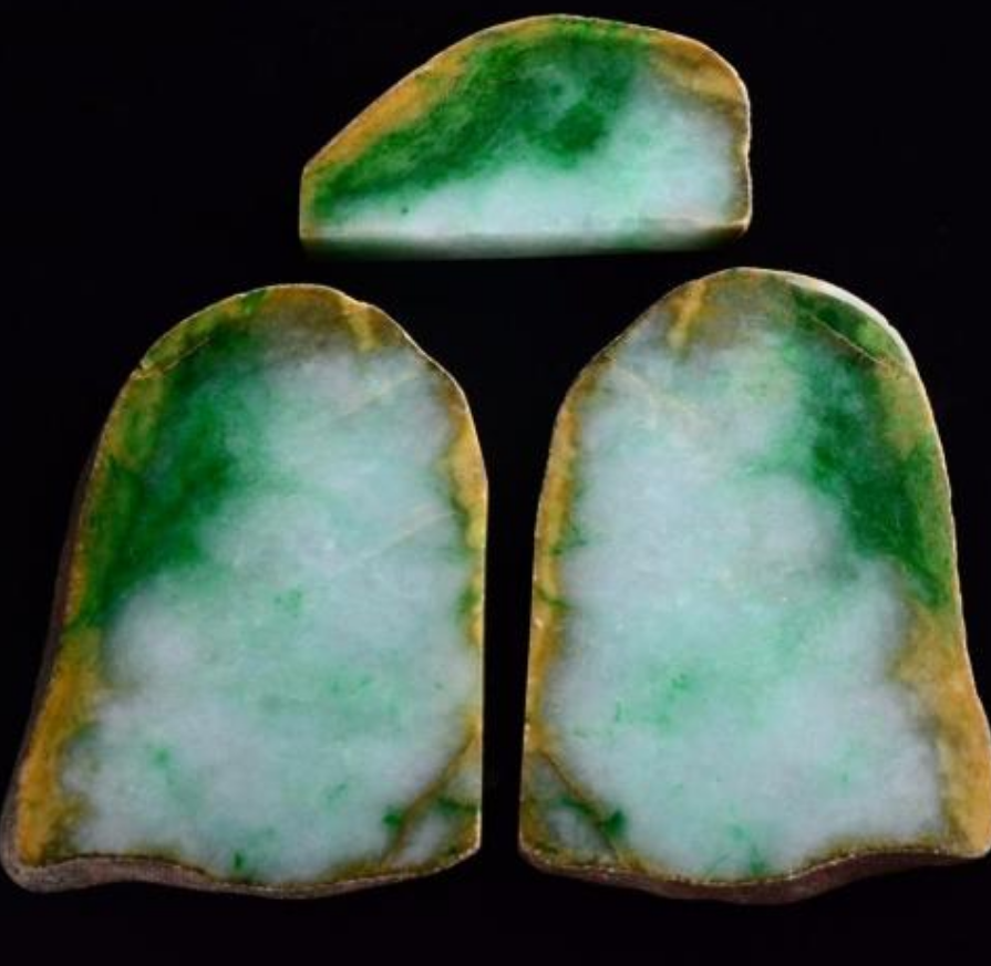 一块原石标价数千万,抢购者还多次加价,翡翠被称为疯狂的石头