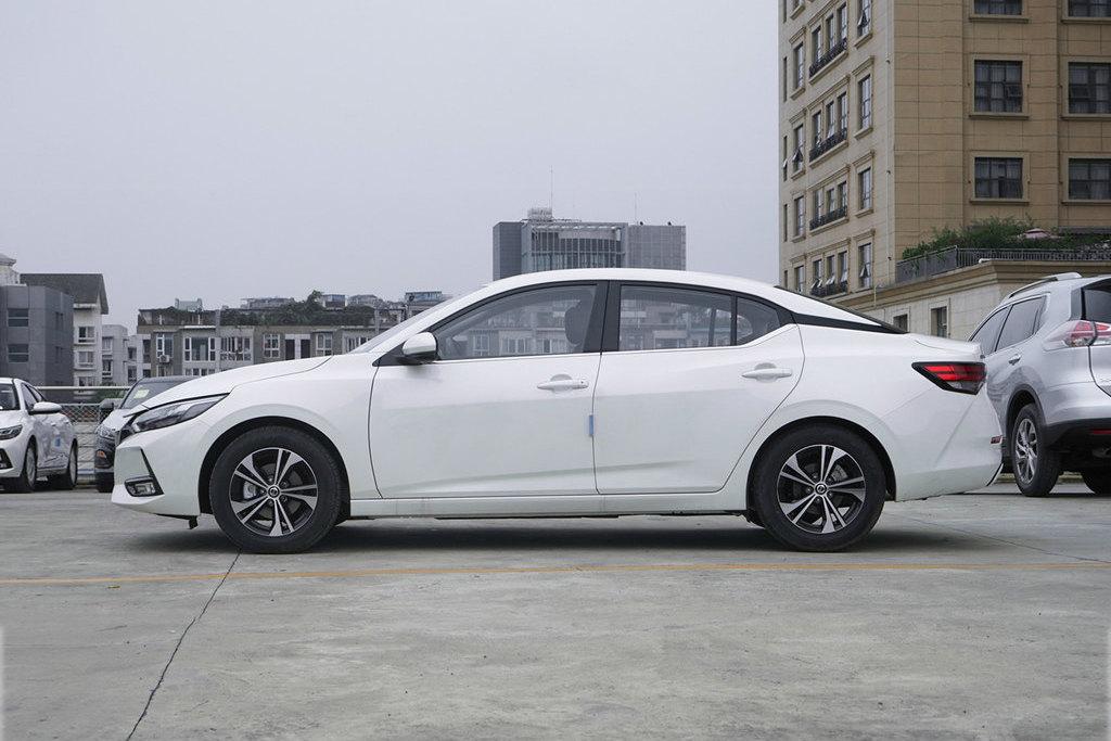 10万预算买家轿,这三台几乎是必看项,实测油耗最低仅5.7L