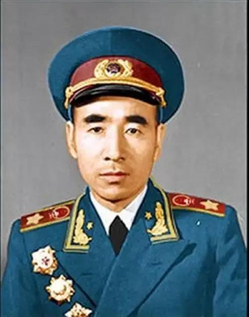 48年7月东北军区纵队以上领导人在49年1月任职与52年定级