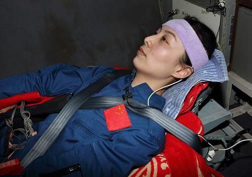 女航天员如何在太空保护自己的隐私?有私人地带,享用水优待