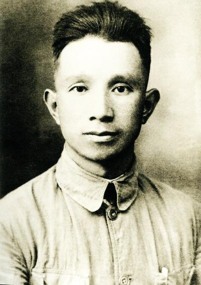 粟裕将军一生传奇,逝世后所用讣告通知在全军中绝无仅有